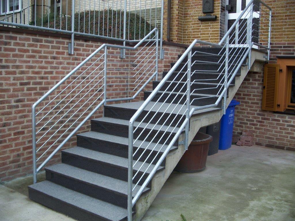 Geländer an Treppe - Schmiede und Schlosserei Wegmann aus Heiligenhaus
